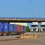 Uso de camiones en trenes para el transporte de mercancías en España